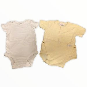 4/$15 Lot of 2 Carter's and Baby's Own Onesies 12M